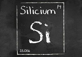 Chemische Abkürzung von Silicium (Si) im Periodensystem.