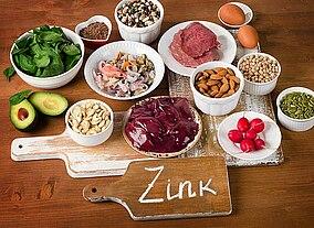 Foto mit Lebensmittel auf einem Tisch